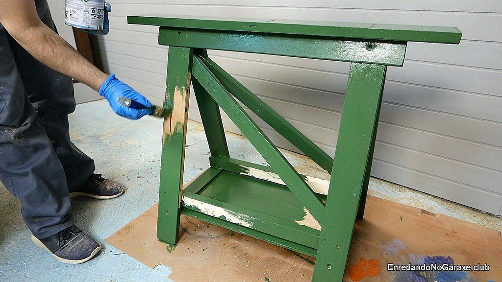 Pintar el caballete de madera