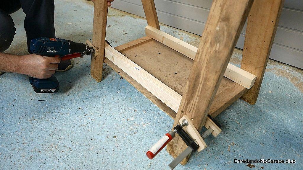 Reforzar la parte inferior con listones y tornillos para madera