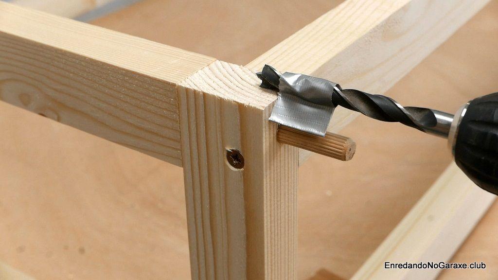 Taladrar agujero para un tubillón de madera