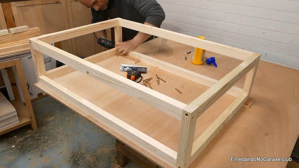 Terminar de ensamblar todas las piezas del armazón de madera