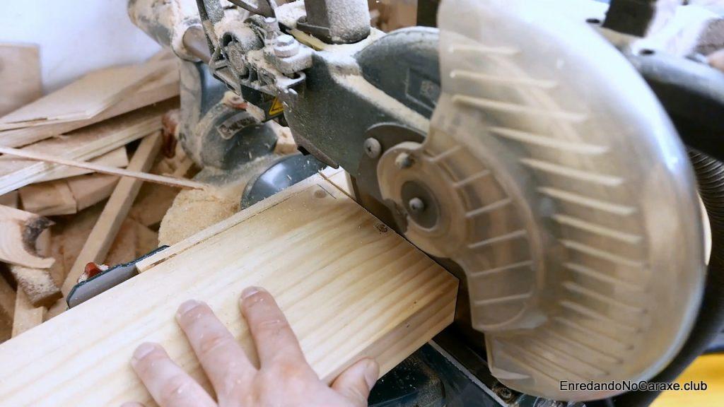 Cortar la mordaza de madera a la longitud necesaria