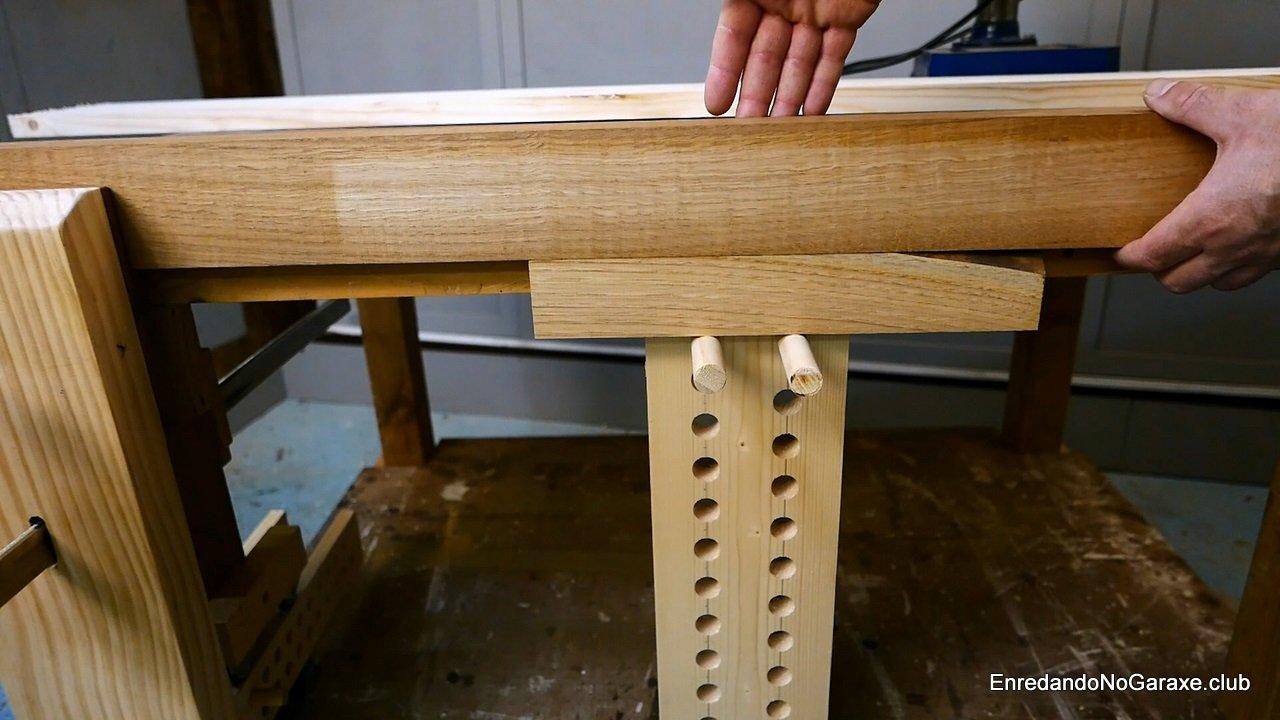 Truco para sujetar una tabla estrecha con el tornillo de apriete