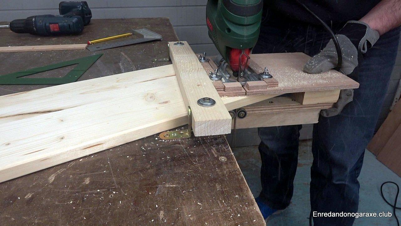 cortar recto son la sierra caladora de mano