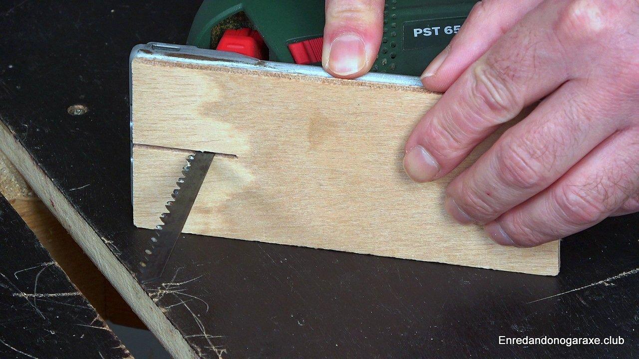inserto para cortes limpios en madera con sierra de vaivén
