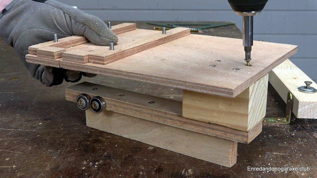 unir el soporte con rodamientos a la guía de carpintería