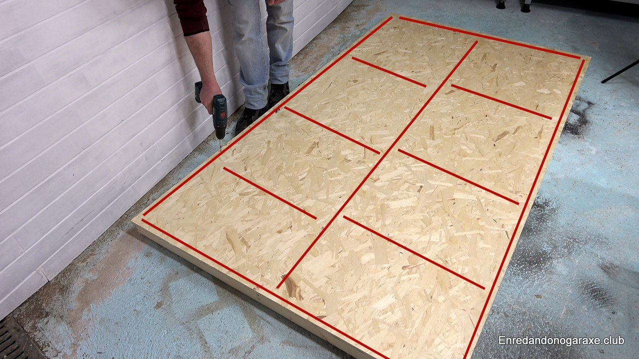 atornillar el tablero osb a la estrutura de listones