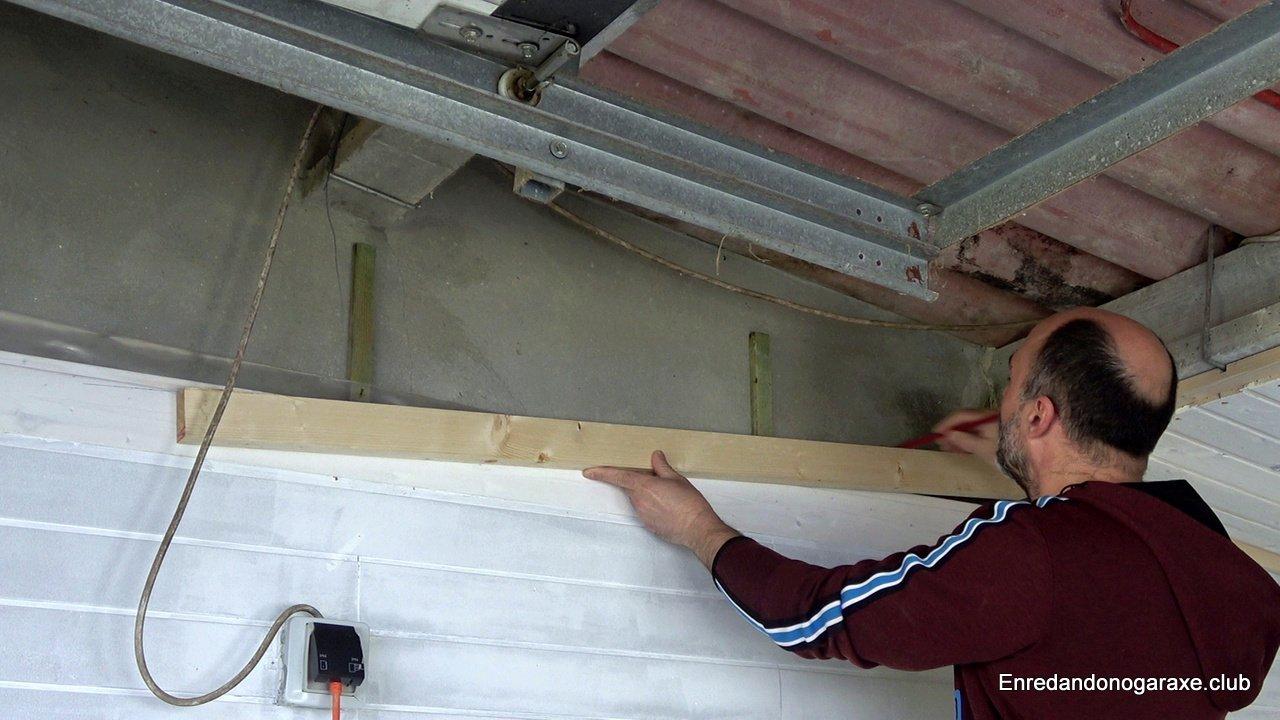 marcar la inclinacion del techo de madera
