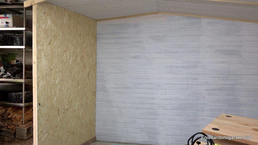 pared de madera de estructura de listones y tablero