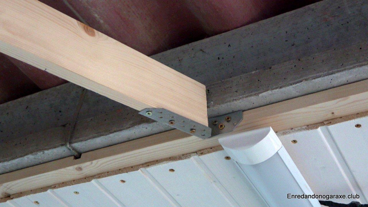 pletina metálica anclando el tirante al techo del garaje