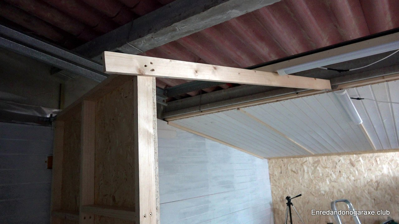 poner tirante sujetando la pared de madera